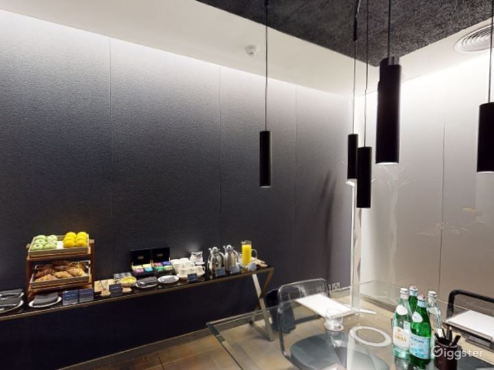 Exceptional Private Suite 3 in Mercer Street, London Photo 4