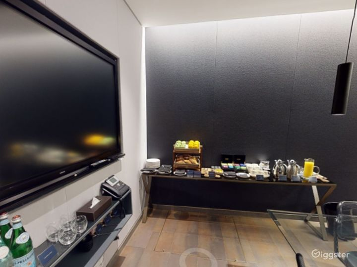 Exceptional Private Suite 3 in Mercer Street, London Photo 5