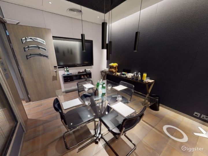 Exceptional Private Suite 3 in Mercer Street, London Photo 3