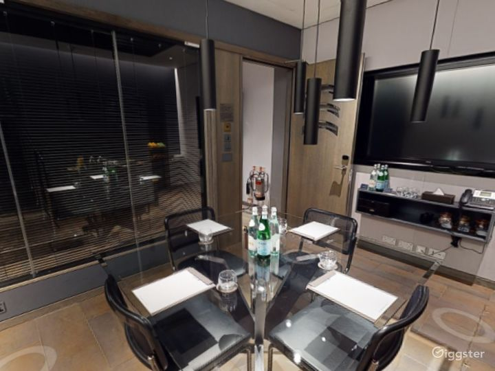 Exceptional Private Suite 3 in Mercer Street, London Photo 2
