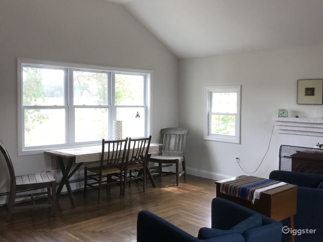 Loft Studio space Lower level open room - oak floor, sparse furniture, wood stove and oil heat. Newly renovated.
