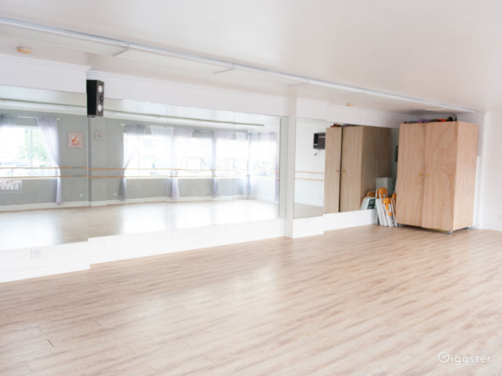 Private, Bright Hollywood Dance Studio Space  Photo 2