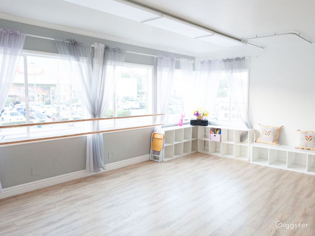 Private, Bright Hollywood Dance Studio Space  Photo 1