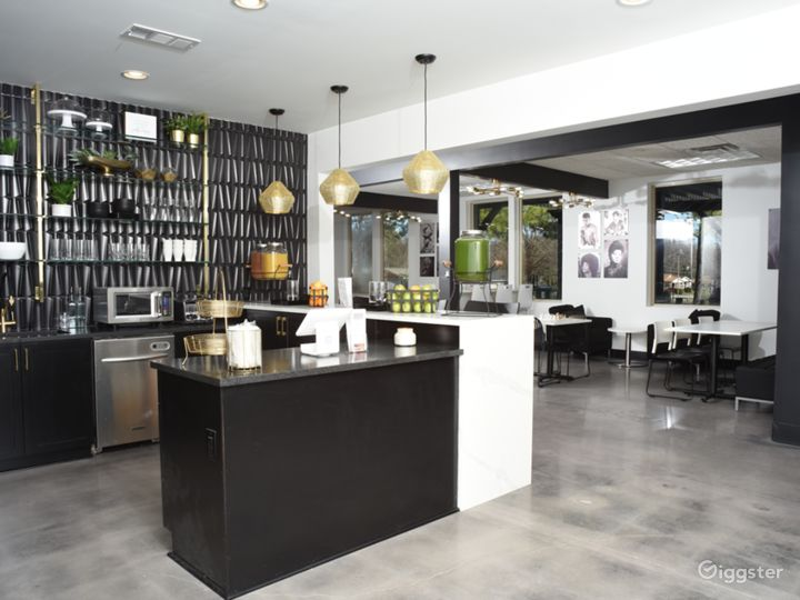 Modern Lounge with Café Area Photo 2