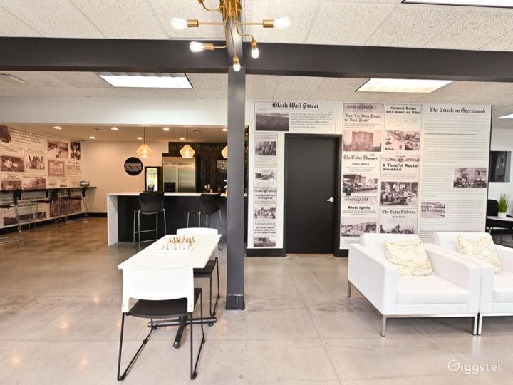 Modern Lounge with Café Area Photo 4
