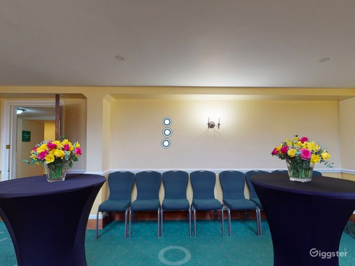 Bishops' Robing Room in London Photo 4