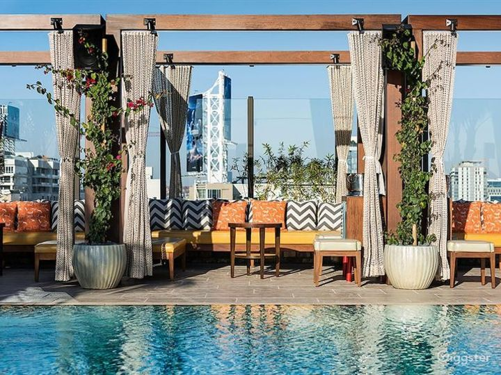 Awesome Rooftop with Pool and Cozy Patio Photo 3