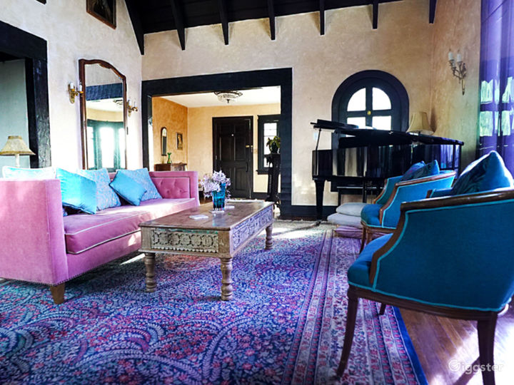 Old Tudor-esque home w/ Silver Lake view