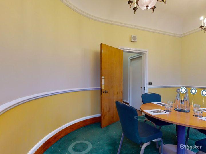 Canterbury Room in London Photo 4