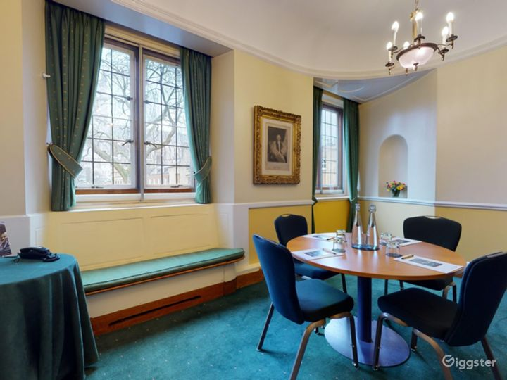 Canterbury Room in London Photo 2