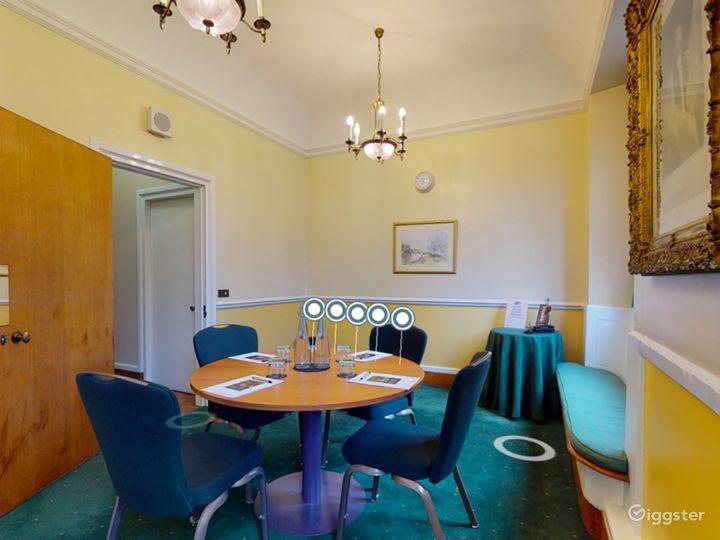 Canterbury Room in London Photo 3