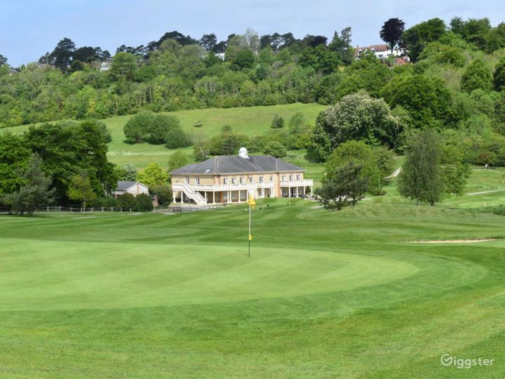 Woldingham's Fully Equipped Golf Club  Photo 5
