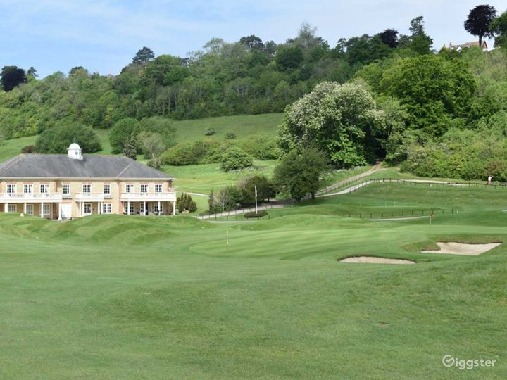 Woldingham's Fully Equipped Golf Club  Photo 2