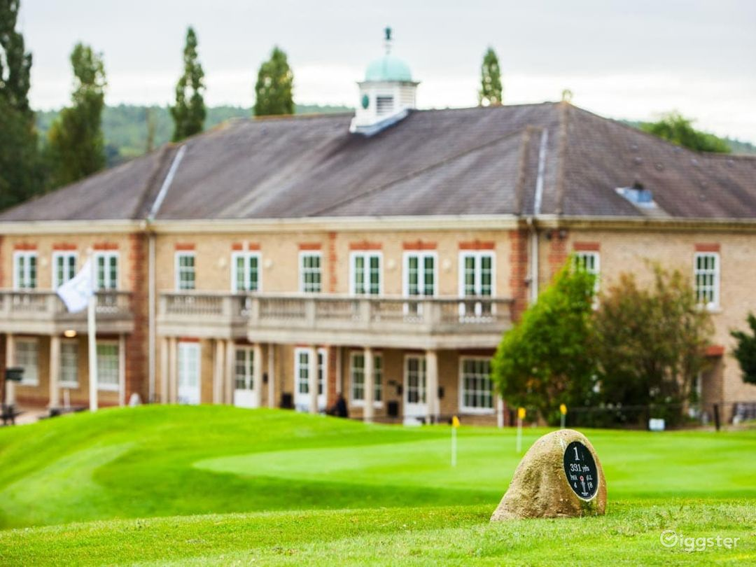 Woldingham's Fully Equipped Golf Club  Photo 1