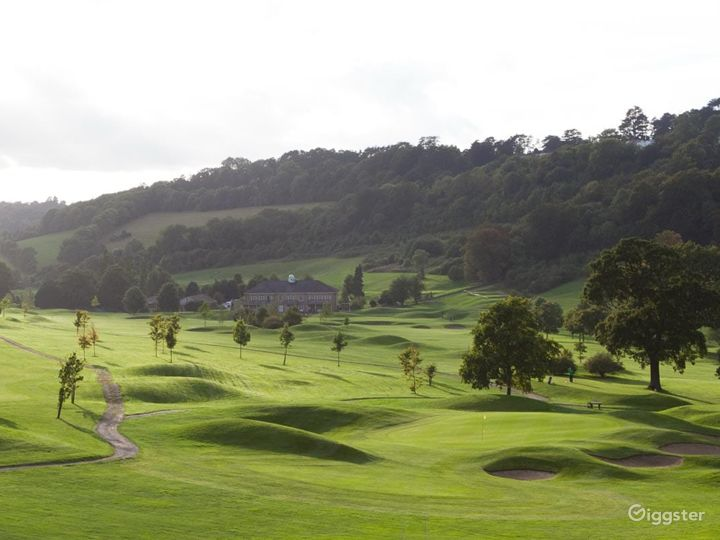 Woldingham's Fully Equipped Golf Club  Photo 4