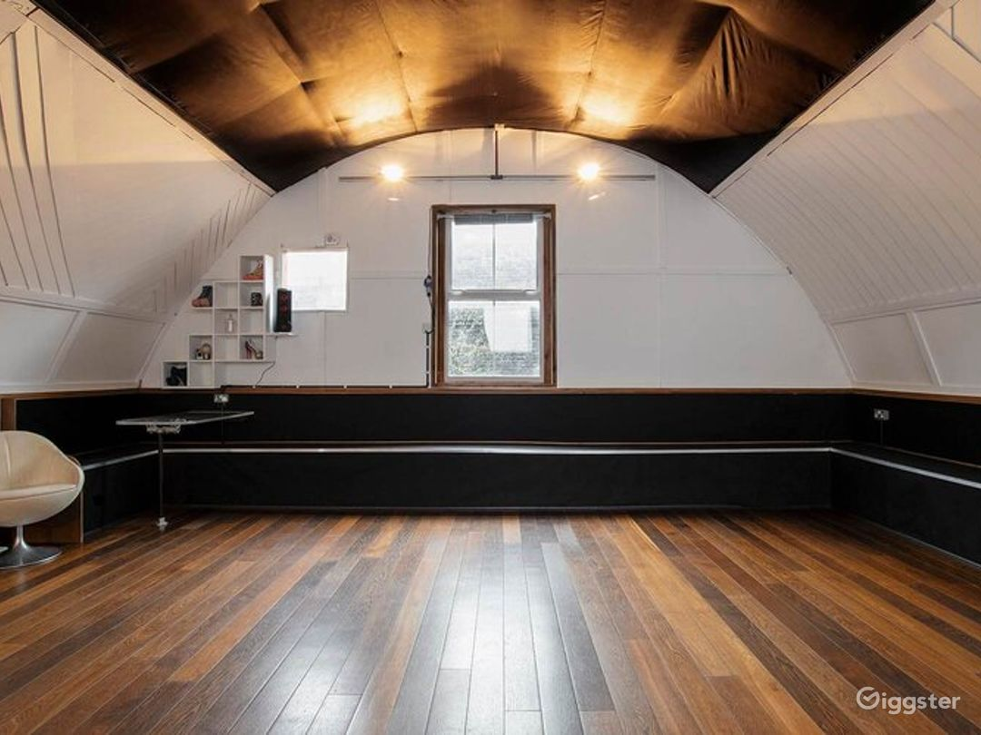 Ideal Studio for Smaller Productions in London Photo 1