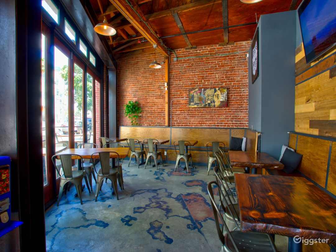 Brews Brothers Craft Beer Bar offers a small section to seat up t0 30 people.  This section also can be an indoor/outdoor experience.