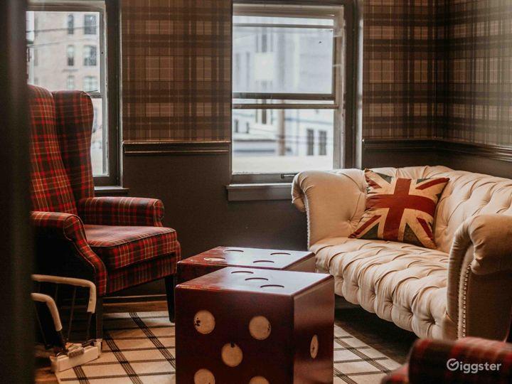 Vintage and Cozy Harrison Room Photo 3