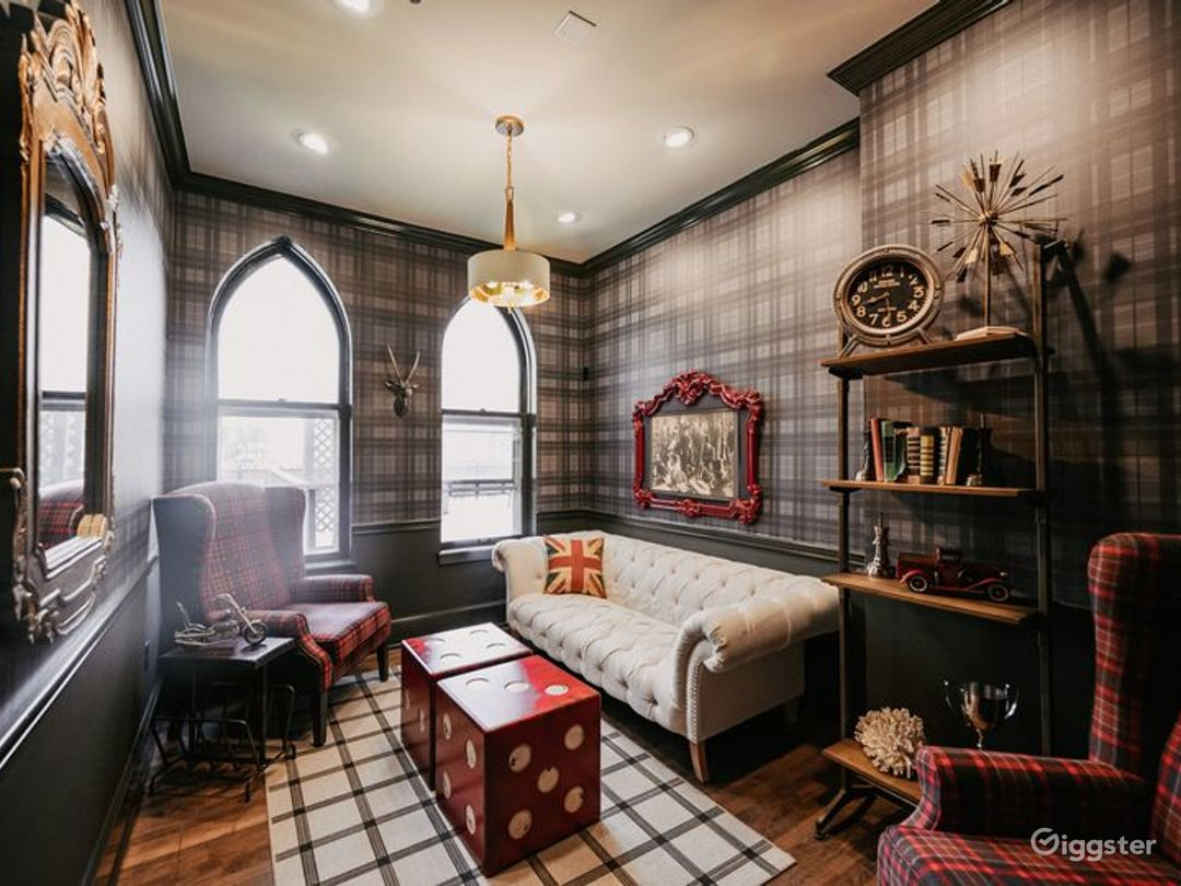 Vintage and Cozy Harrison Room Photo 1