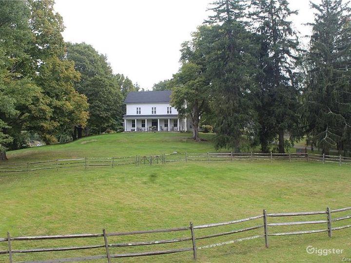 1777 historical home & meadows  Photo 3