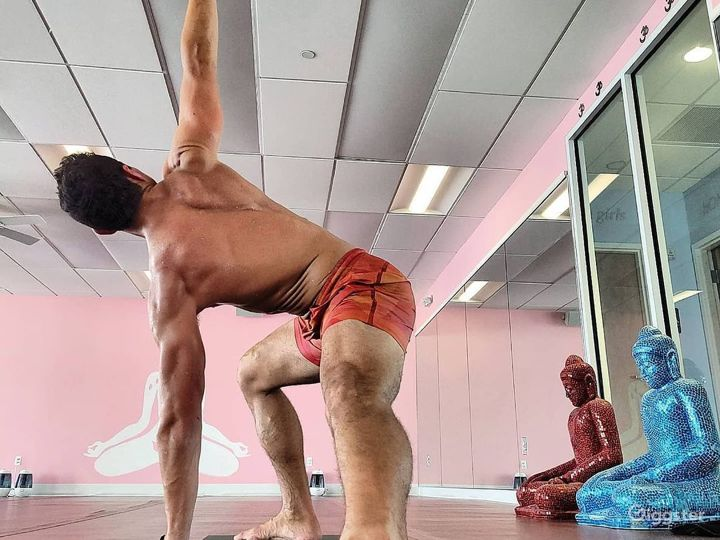 Idyllic Infra-Red Yoga Room for Productions and Photoshoots Photo 2