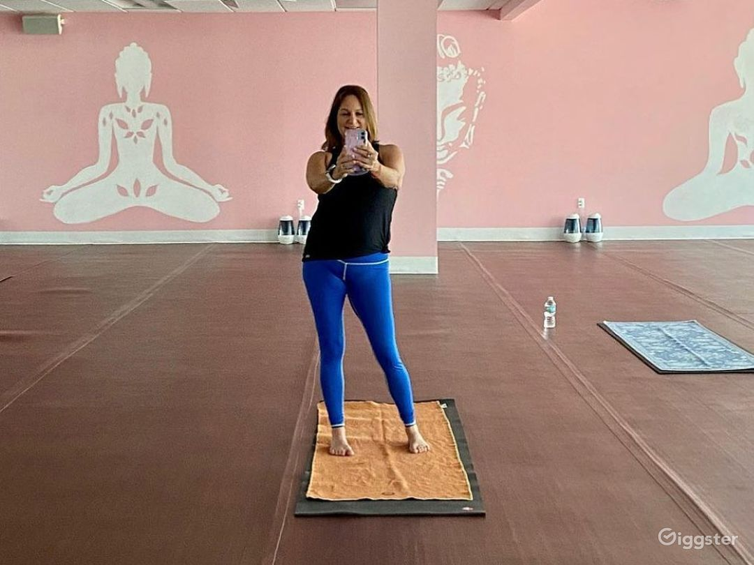 Idyllic Infra-Red Yoga Room for Productions and Photoshoots Photo 1