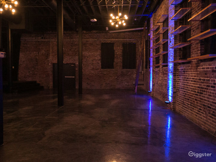 Modern with Industrial Interior Features Event Venue in Saint Louis Photo 2