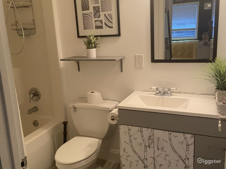 Bohemian Style 2 Bedroom Apartment in the Bronx Photo 4