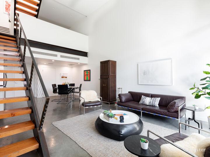 Stylist Modern Loft in great location with parking