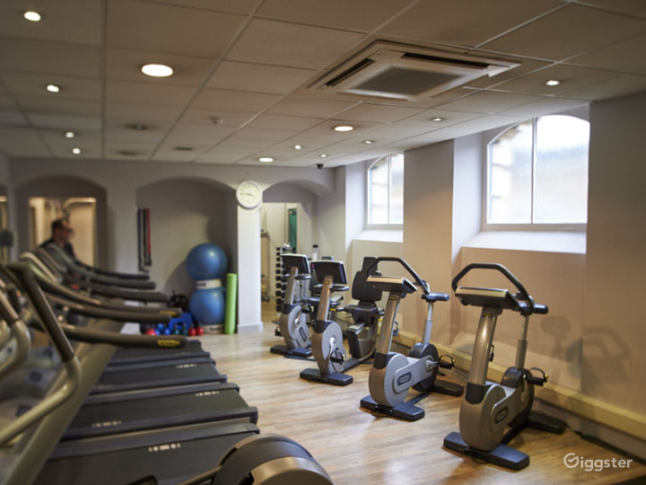 Hotel Gym with Cardio and Resistance Equipment in York Photo 2