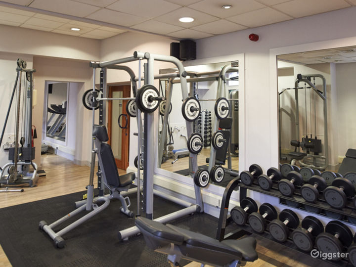 Hotel Gym with Cardio and Resistance Equipment in York Photo 3