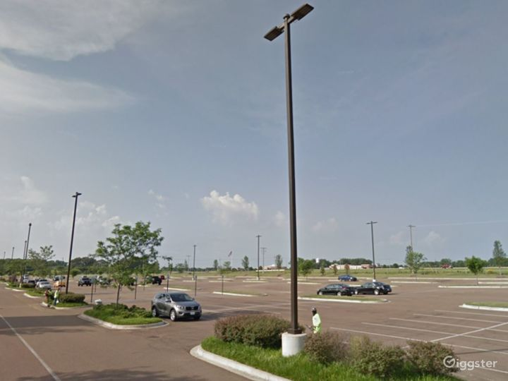 Large Parking Space for Film Location in Memphis Photo 2