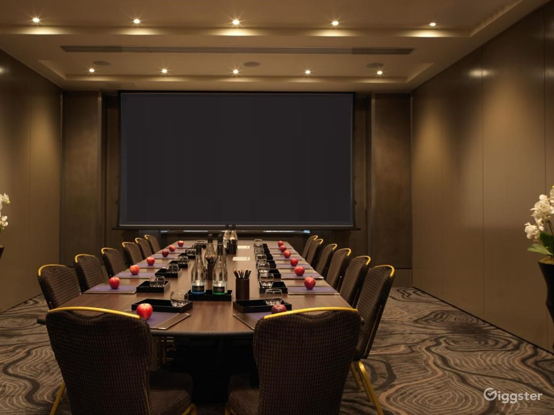 Medium-sized Conference Room in Bloomsbury Street, London Photo 1