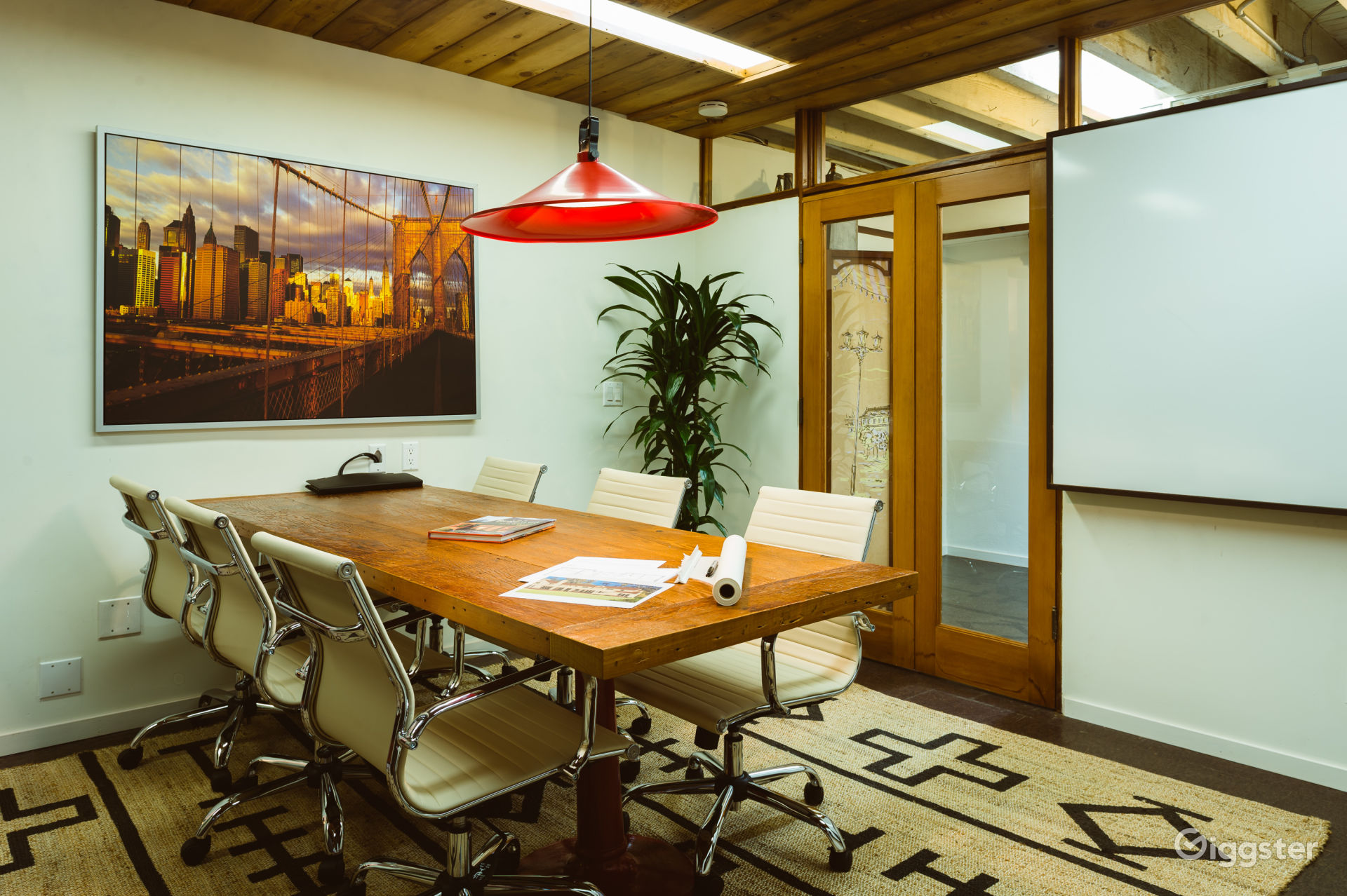 The Perfect Conference Room & Production Office Photo 1