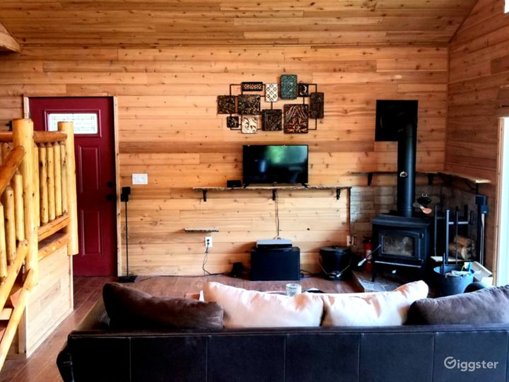 Cedar Log Cabin Photo 3