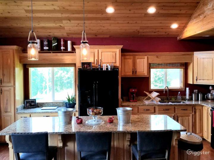 Cedar Log Cabin Photo 5