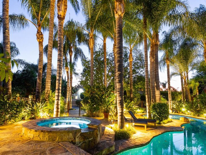 Tropical Oasis w/ Game room/Pool/Bar Photo 2