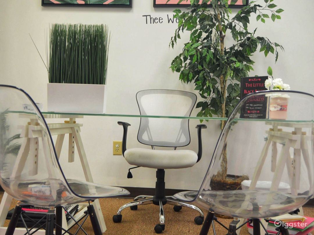 Private space/office area. Seats 1 facilitator & 6 participants. Used for chiropractic services, make up services, mani/pedi, therapy, and 1on1 auditions.