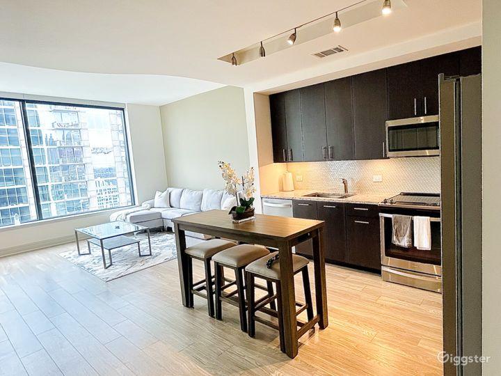Luxury high-rise Condo W/ floor to celling windows Photo 3