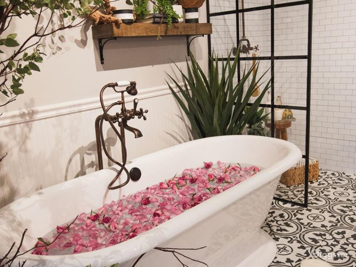 Downtown Farmhouse Bohemian Bathroom with Bathtub Photo 5