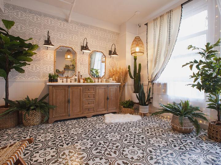 Downtown Farmhouse Bohemian Bathroom with Bathtub Photo 2