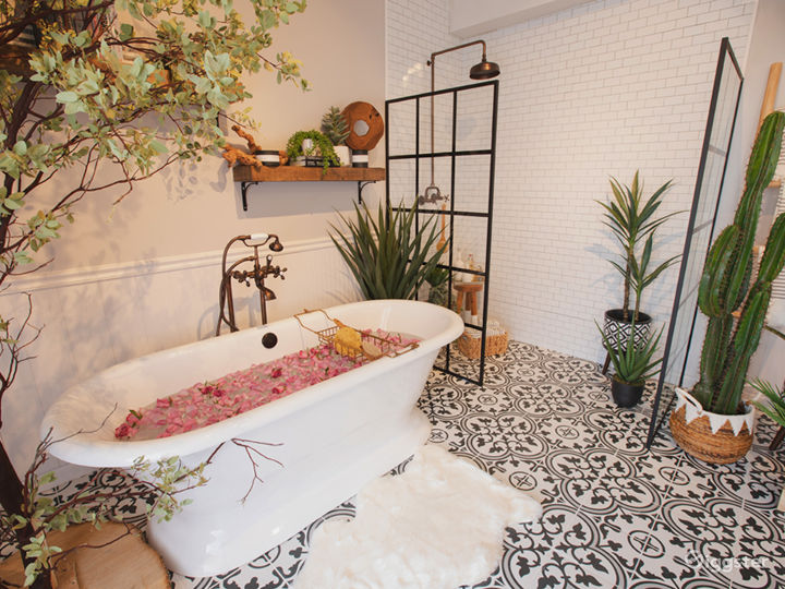 Downtown Farmhouse Bohemian Bathroom with Bathtub Photo 4