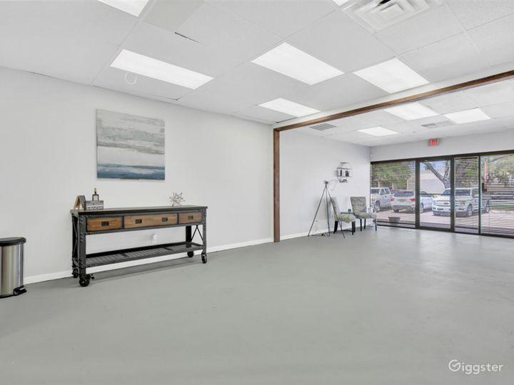 Spacious Multipurpose Studio Perfect for Events Photo 3