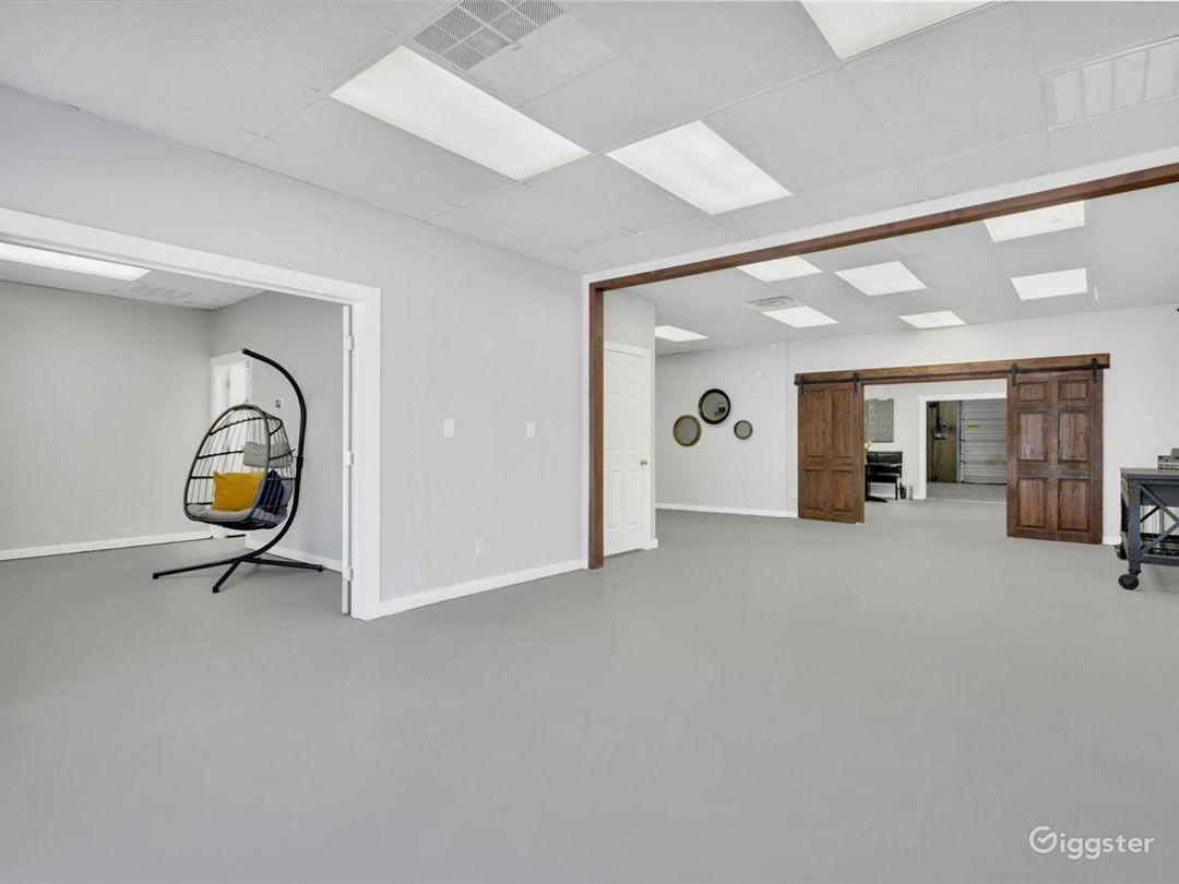 Spacious Multipurpose Studio Perfect for Events Photo 1