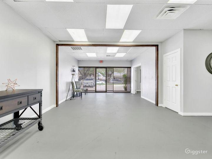 Spacious Multipurpose Studio Perfect for Events Photo 4