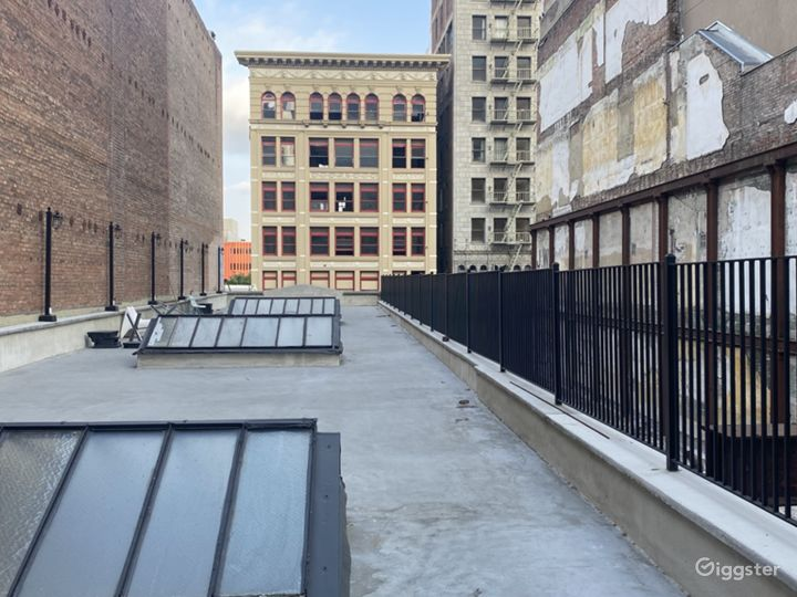 New York City-Style Rooftop in the Heart of DTLA