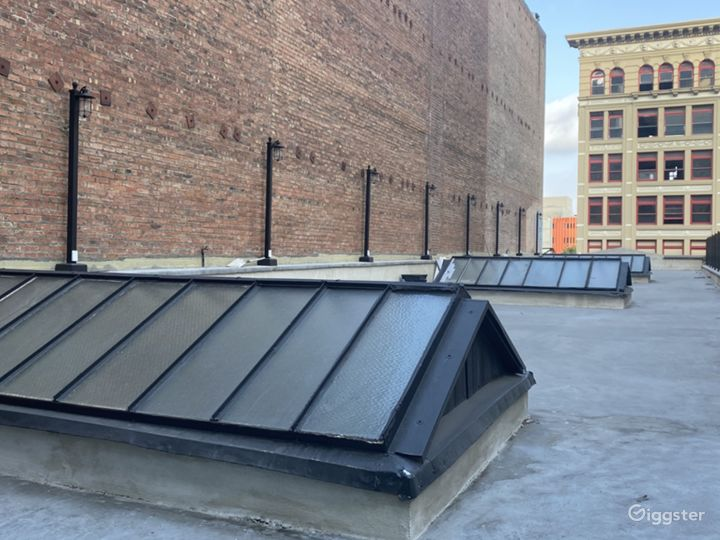 New York City-Style Rooftop in the Heart of DTLA Photo 2