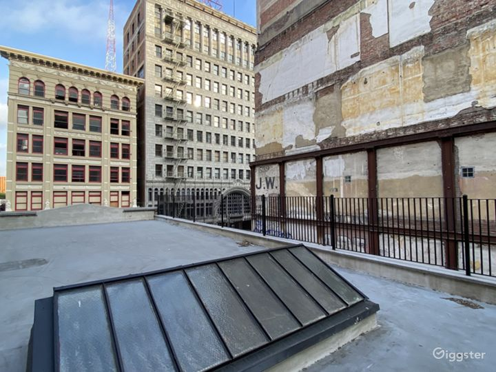 New York City-Style Rooftop in the Heart of DTLA Photo 5