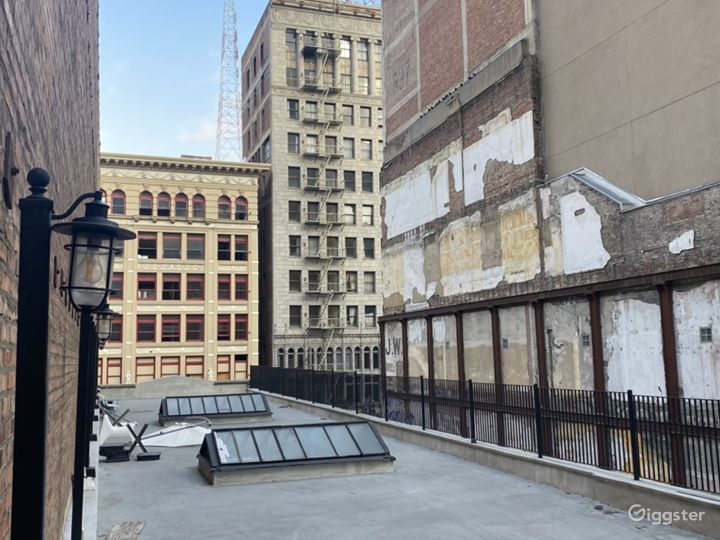 New York City-Style Rooftop in the Heart of DTLA Photo 3
