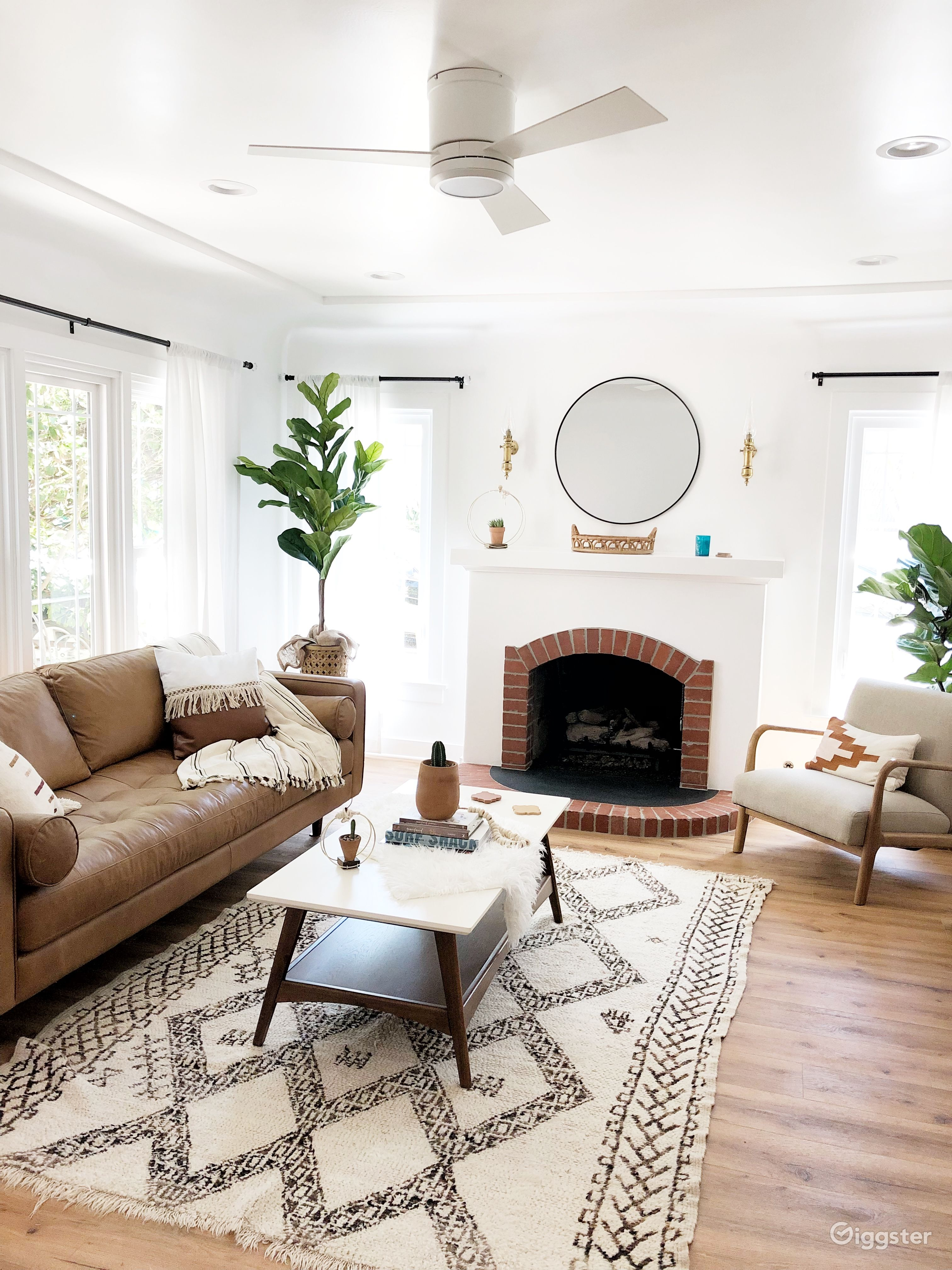 Beach House Surf Mid-Century Modern Bungalow Home | Rent this location on  Giggster